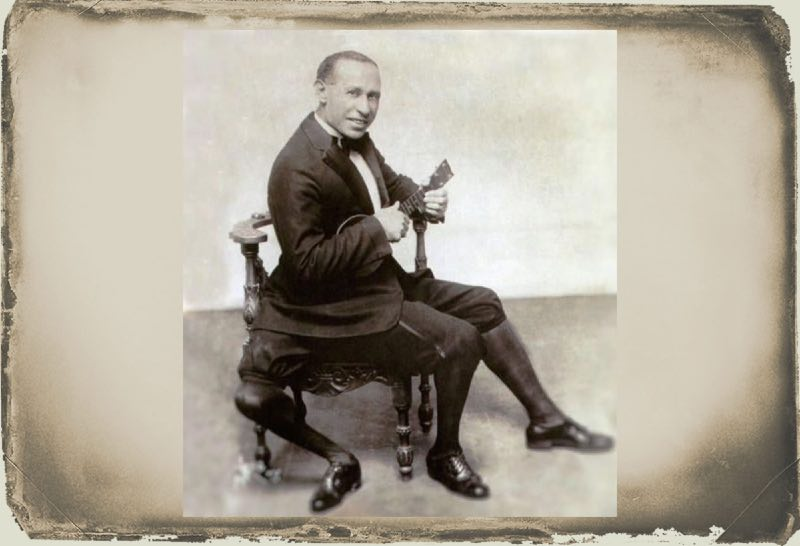 Frank Lentini adult posing